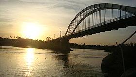 280px-Ahvaz_White_Bridge11