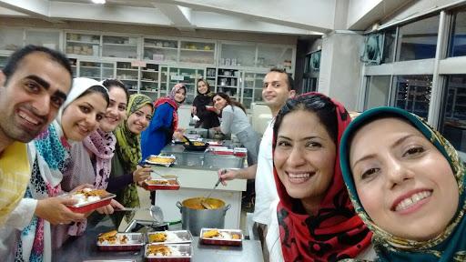 在日イラン人留学生によるイフタールの集い | ソフィア株式会社 イラン ...