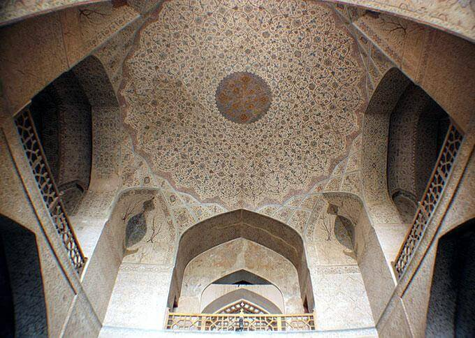 ali-qapu-isfahan-155635091